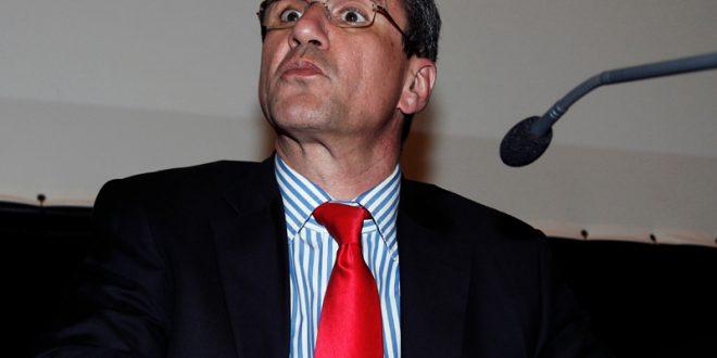 Με νέο look και ανανεωμένος ο Ανδρέας Λοβέρδος στη Βουλή